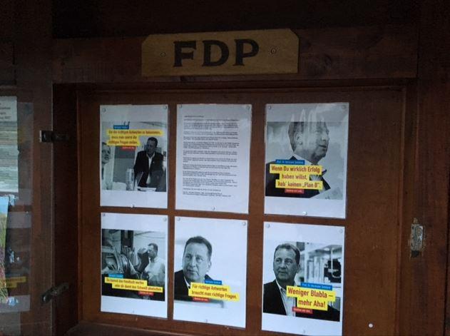 Die ersten Wahlplakate sind in Freudenberg angebracht