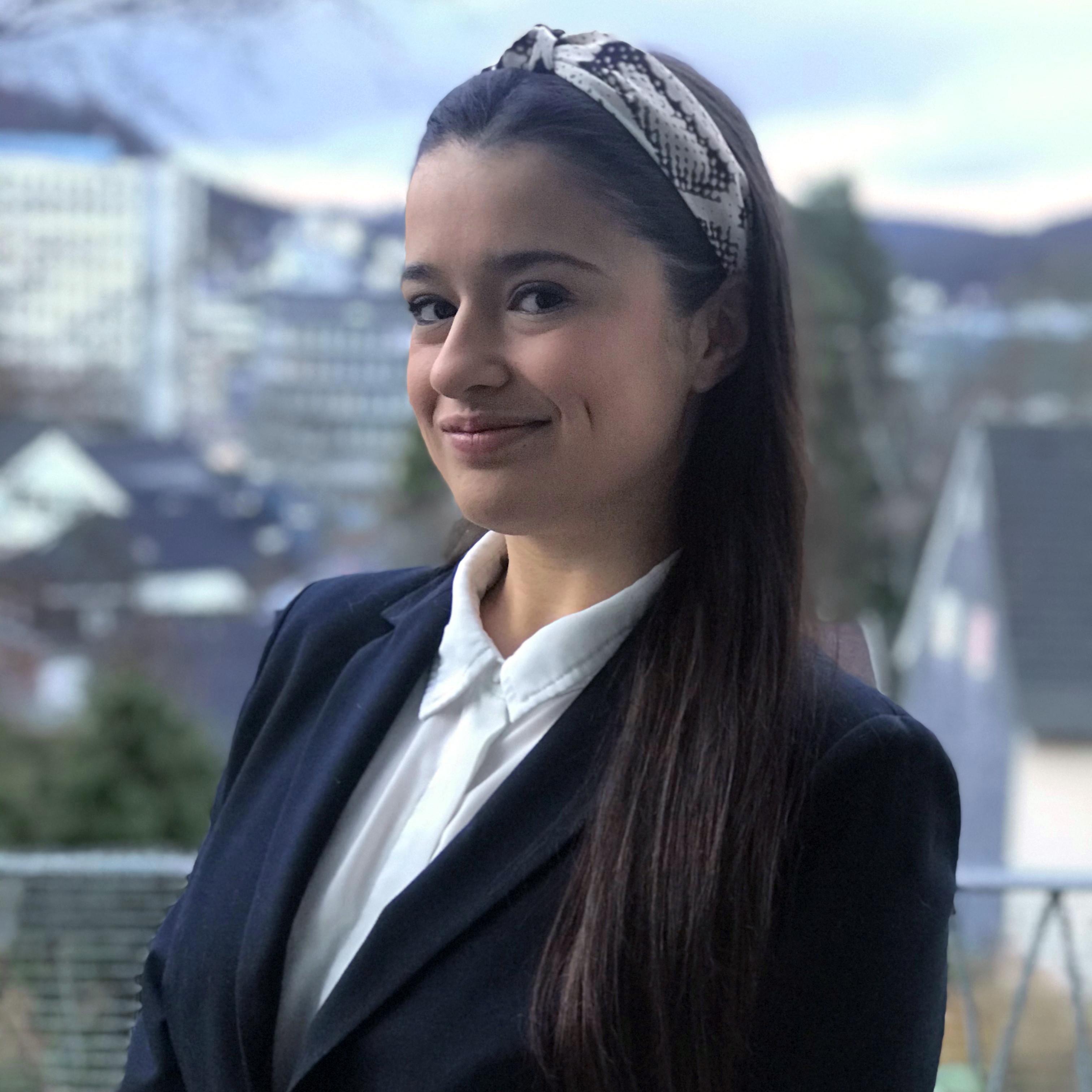 Zoe Naemi Zarmutek