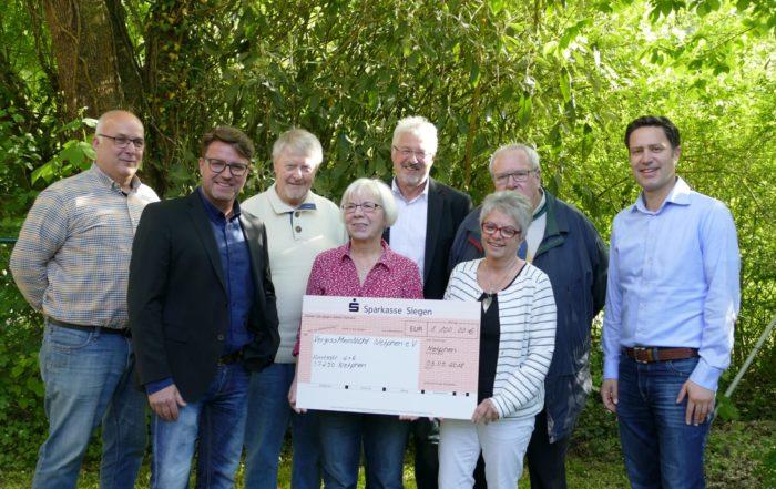 FDP Netphen spendet Erlös aus Suppenverkauf an VergissMeinNicht e.V.