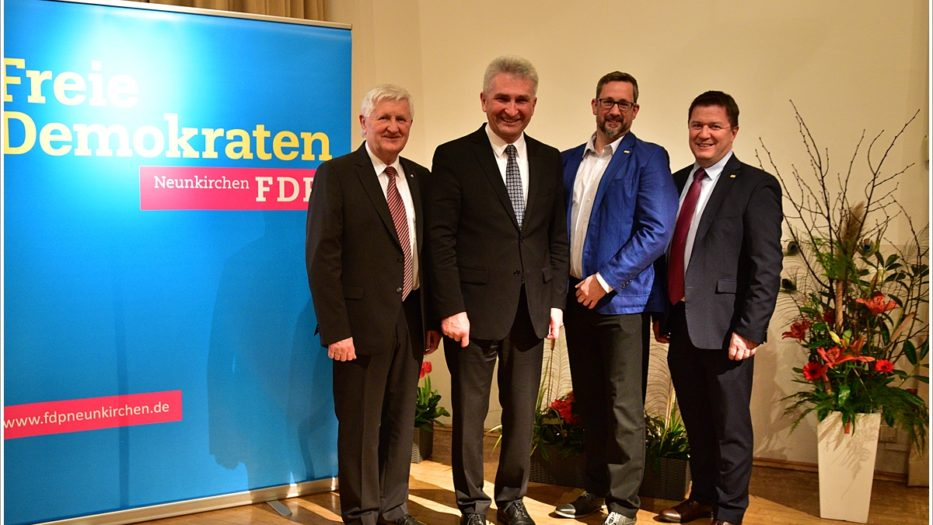 Siegen-Wittgenstein: FDP-Innovationsminister bei Neujahrsempfang der Gemeinde Neunkirchen