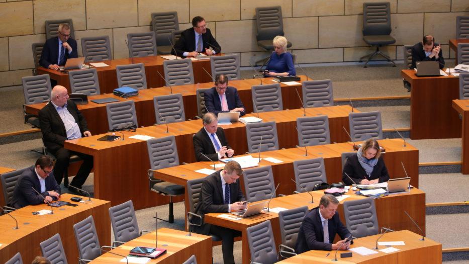 Landtag verabschiedet Nachtragshaushalt und NRW-Rettungsschirm-Gesetz
