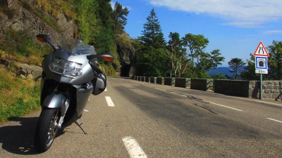 Keine Fahrverbote für Motorräder an Sonn- & Feiertagen