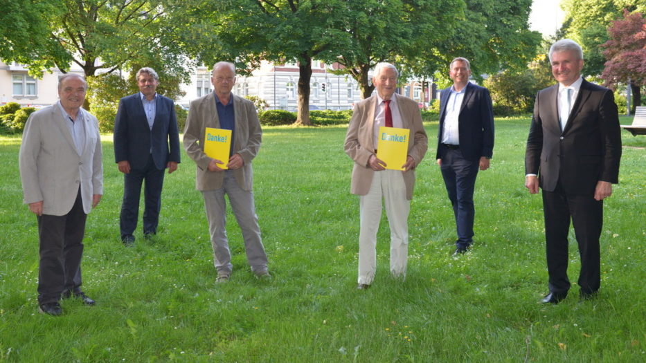 Dr. Henrich Schleifenbaum und Klaus Volker Walter geehrt