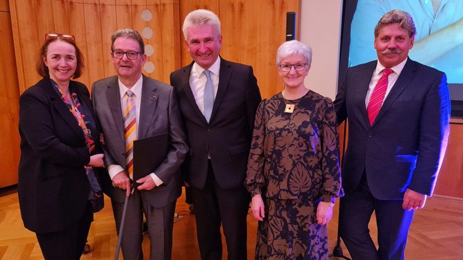 Ehrenvorsitzender Hagen Tschoeltsch feiert 80. Geburtstag mit Verspätung